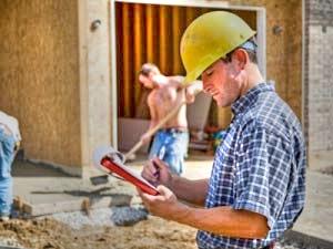 На строительной площадке должен быть специалист, следящий за качеством материалов и работ