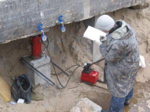 Проверка фундамента при контроле строительных работ